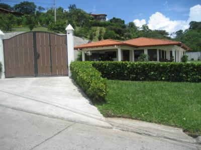 Costa Rica Condominium or secured access community?