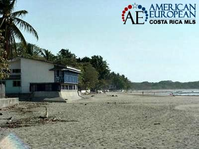 Costa Rica home right on the beach