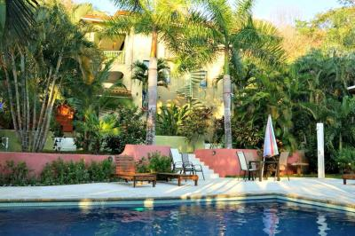 10-Room Luxurious Garden Lodge for sale in Santa Teresa