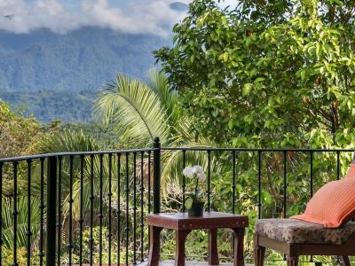 Manuel Antonio home for sale, Central Pacific – Listed at $649,000