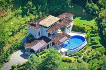 5 Reasons why the Costa Ballena Luxury Home Market is Alive
