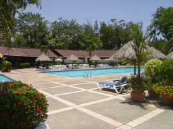 Los Reyes Country Club and pool