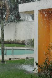 Should a property showing be scheduled when it rains?