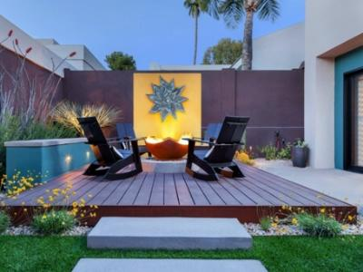 Add an accent to your tiny backyard