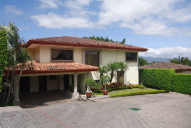Mediterranean condo for sale in Jaboncillo