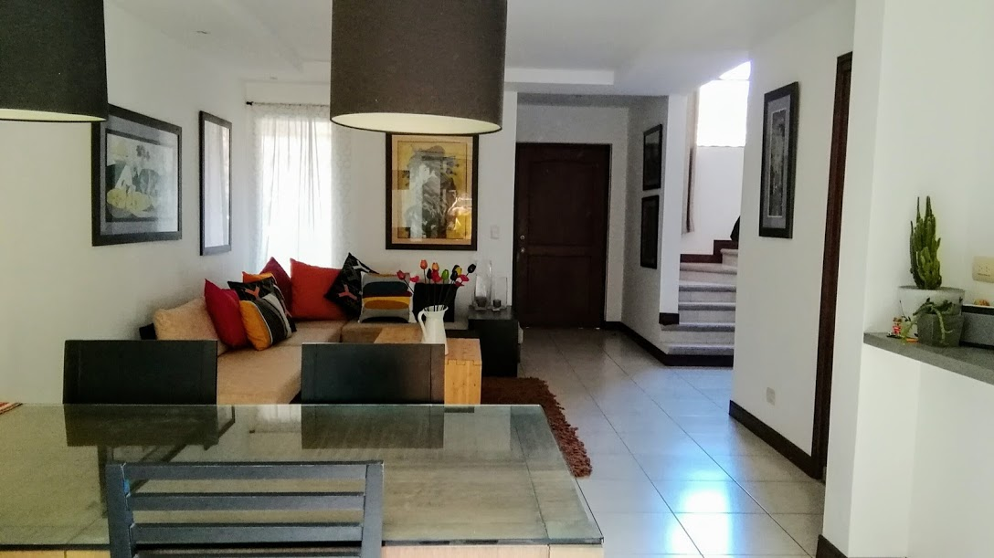 Beautiful modern townhouse Brasil de Mora.