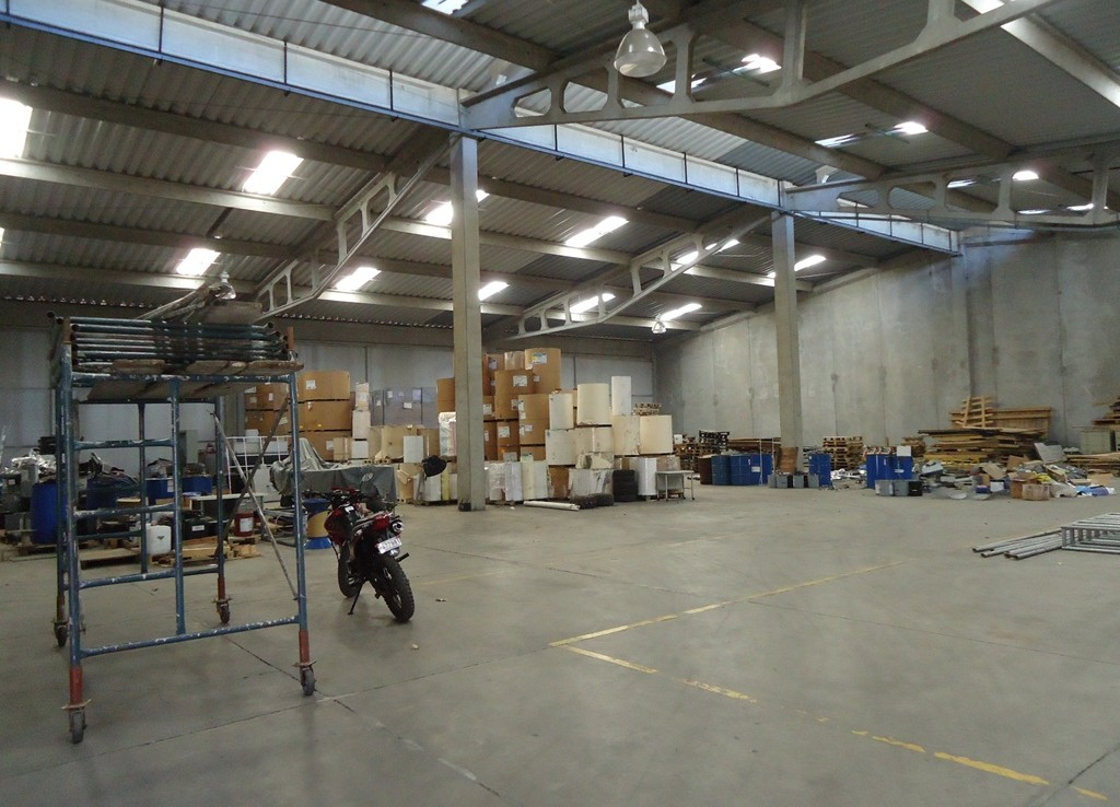 Tibas 1080 m2 warehouse for rent