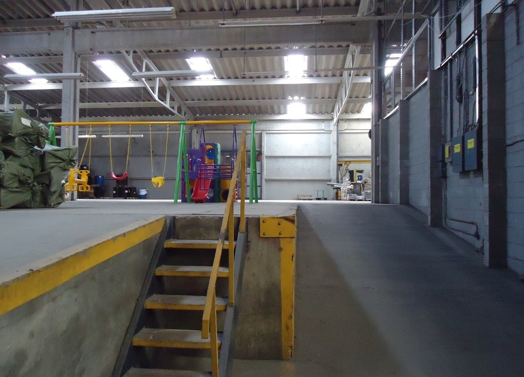 Warehouse for rent in Tibas