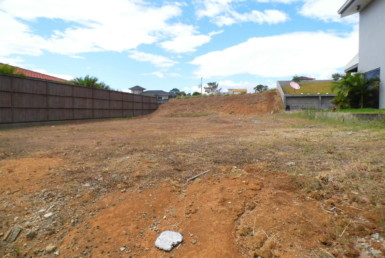 Puente de Piedra building lot in gated community