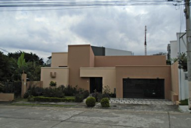 Perfect Los Laureles 2 BR home for couple with no children