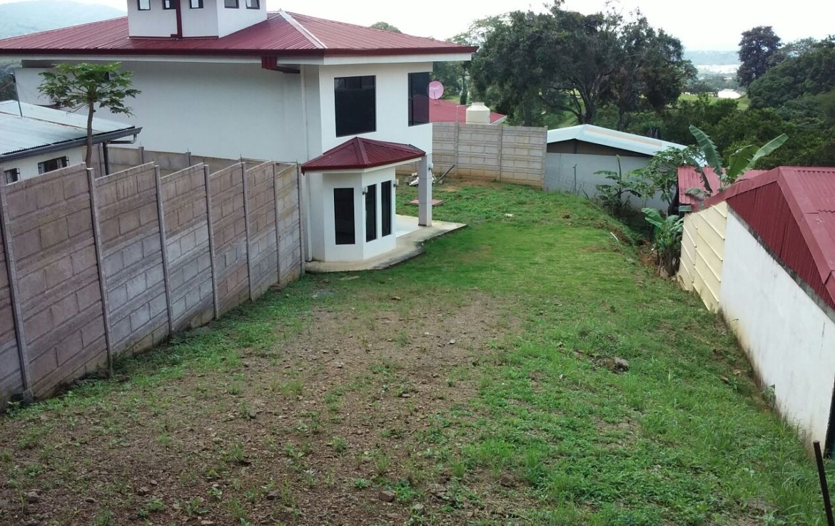 Very affordable Brasil de Mora new private view house on large lot