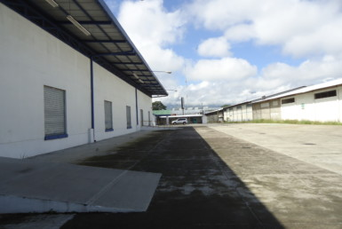 Large La Uruca industrial property for rent
