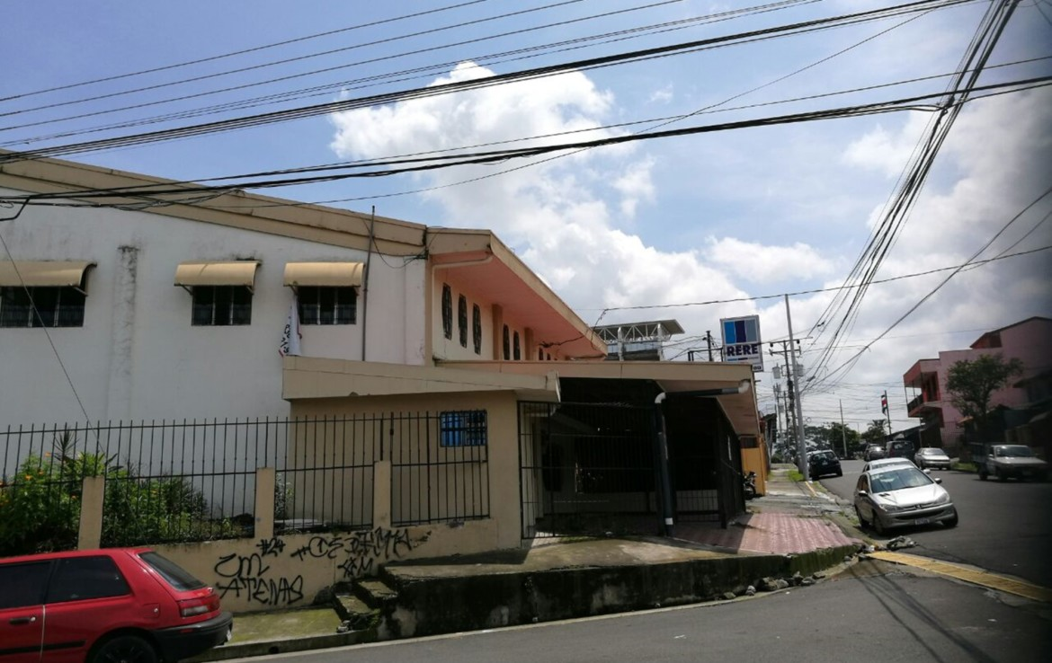 740 M2 Warehouse plus offices for rent in Tibas
