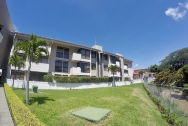 One bedroom Santa Ana apartment for sale