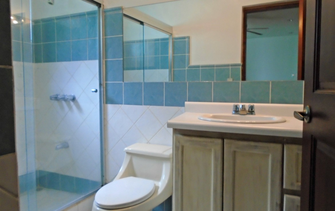 Price reduced - Awfully nice and very private Escazu townhouse ...