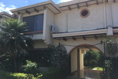Remodeled Los Laureles Escazu Townhouse LOCATION No Fees