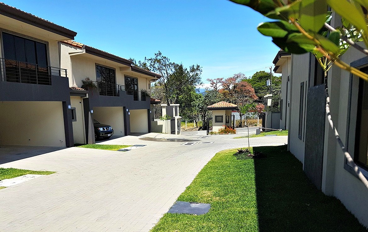 Beautifully finished Condominio Hacienda Paraiso 3 BR homes