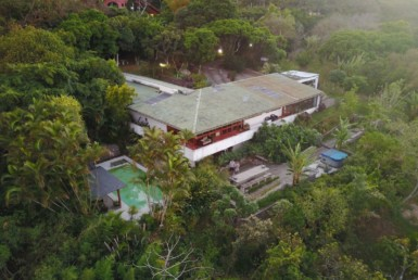 Bargain Santa Ana estate with large gardens and pool must sell