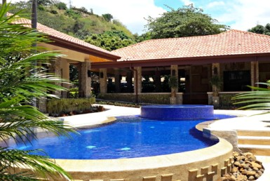 Phenomenal Atenas Family Estate for Sale