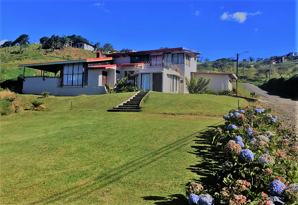 Ciudad Quesada Two story house located in Porvenir