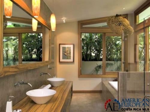 Costa Rican homes with exotic hardwood cabinets sell better