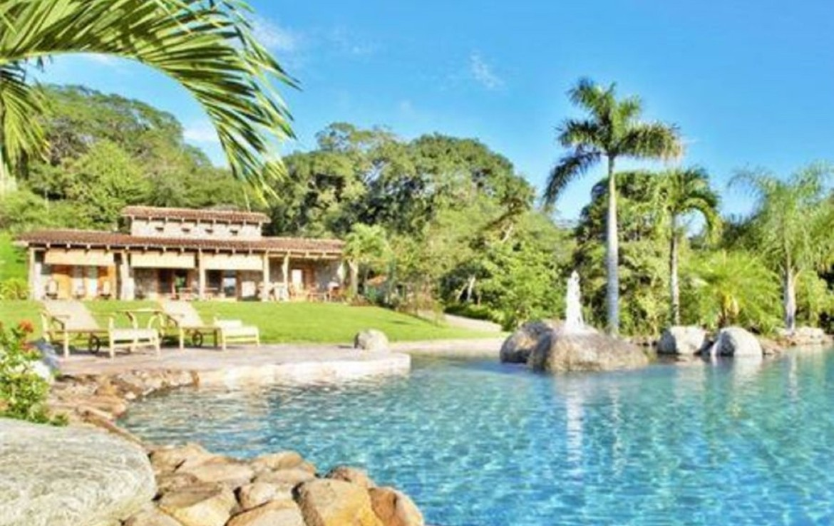 Unique Tempate Guanacaste Property with mountain views and pool
