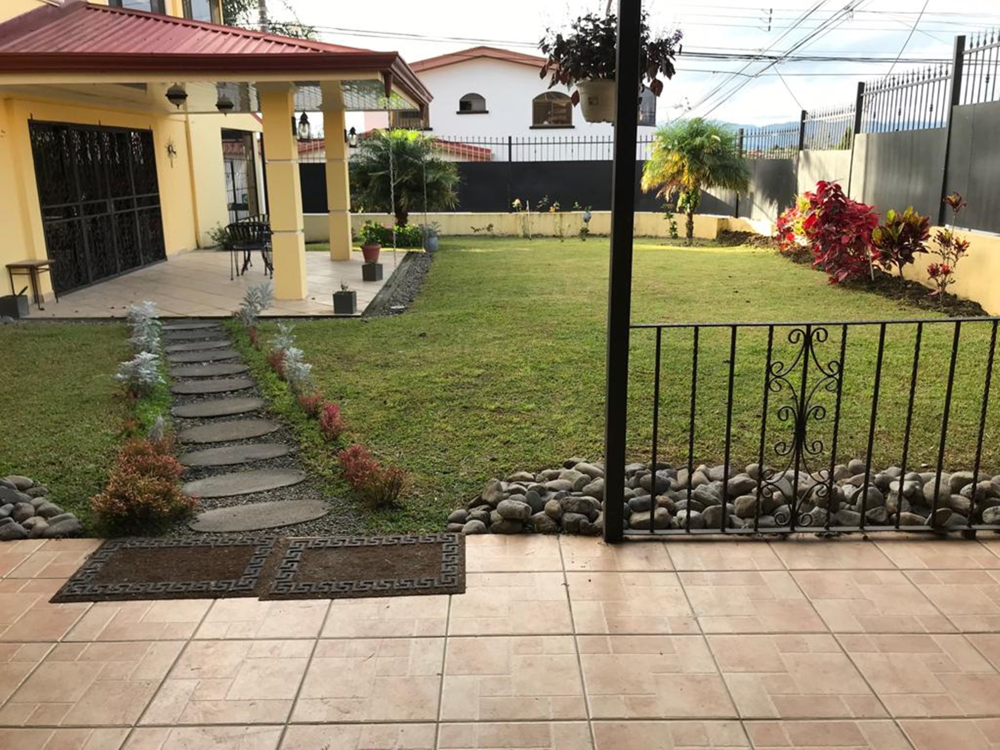 Moravia 4 Br Executive Home With Garden For Sale Costa