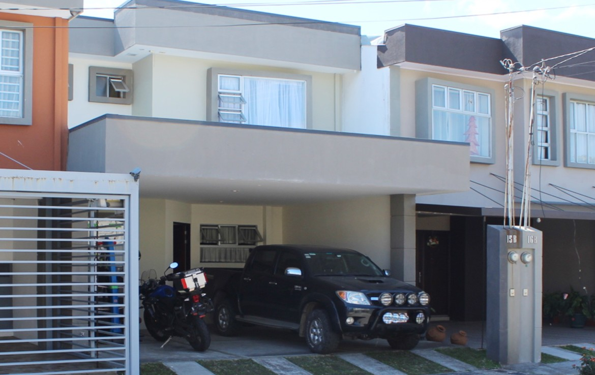 Tibas 3 BR townhouse in secure community