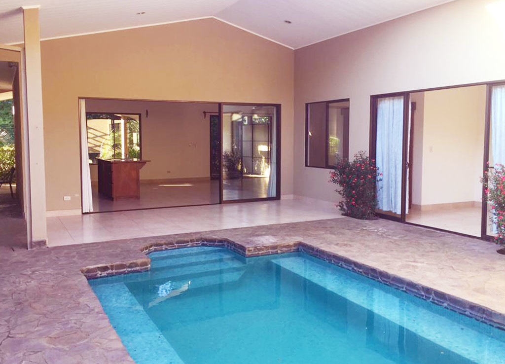 Unique 2 BR unfurnished Atenas house with the pool