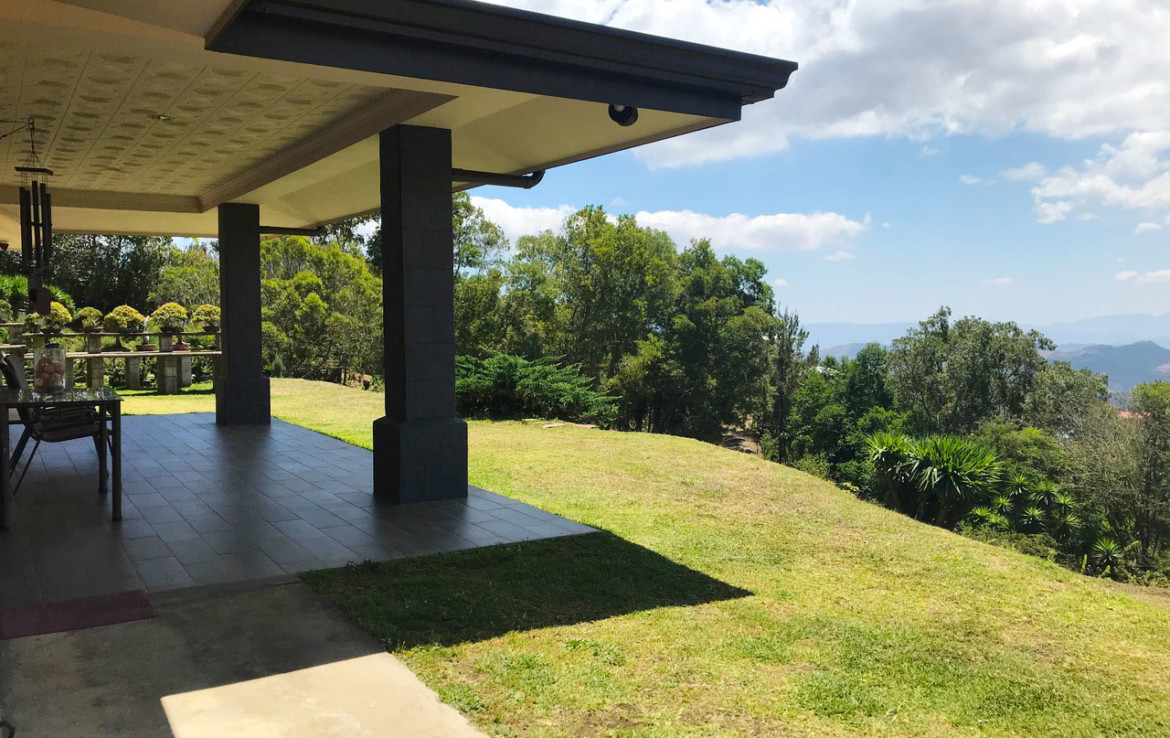 Gorgeous Naranjo Estate Property with an Interior Rain Forest