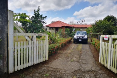Beautiful La Fortuna 1 BR home with tropical gardens