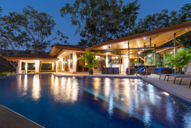 Stunning 3 BR Dominical Ocean view Jungle Home + Poolside Villa