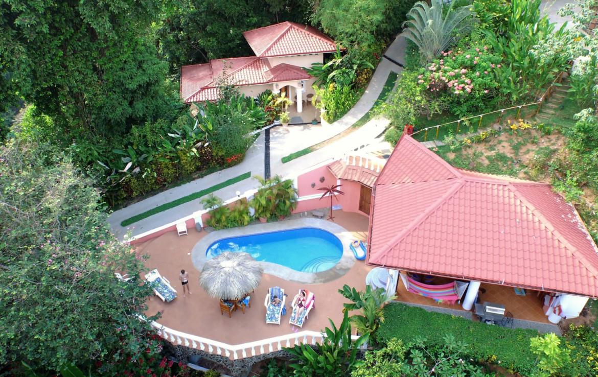South Pacific property with 4 Homes, Bar with Pool + additional view site