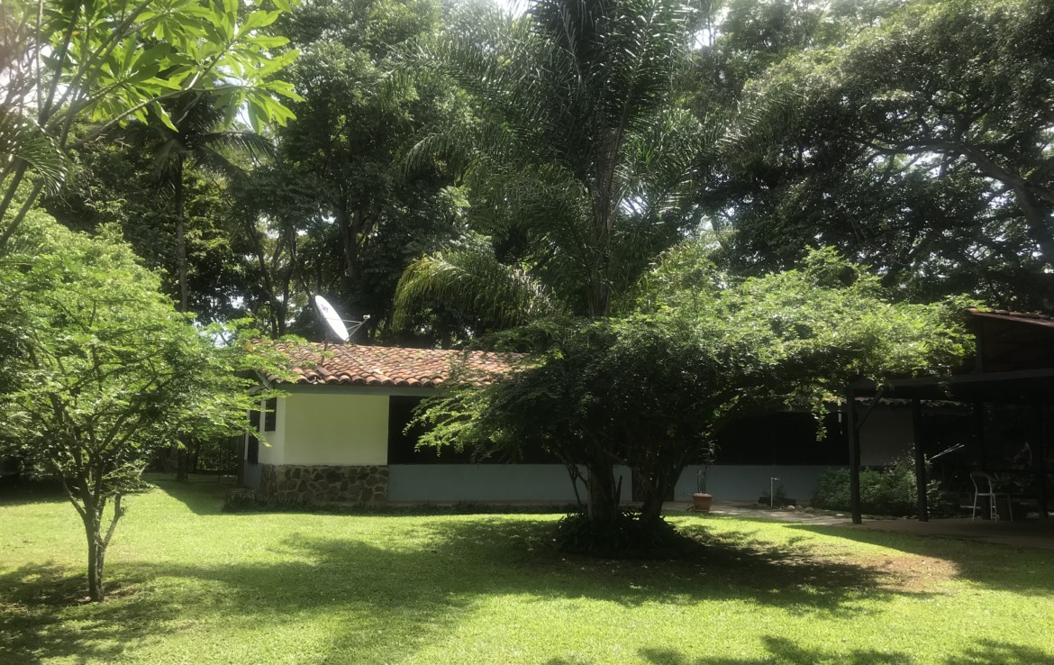 La Garita Horse and pet-friendly furnished home – utilities included