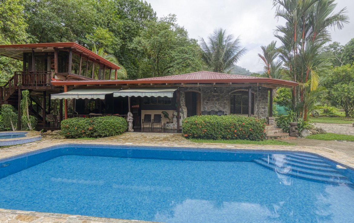 Rustic 3 Bedroom Ojochal Country Home with Pool