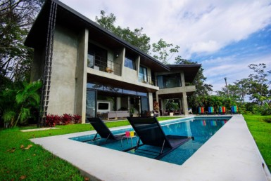 Luxurious 3 BR Dominical Home with Stunning Ocean and Coastline Views