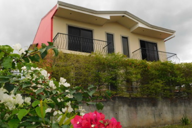 Convenient Furnished 2 BR Townhouse with wonderful views from upper floor