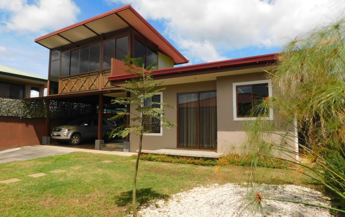 Two Lovely Carrizal de Alajuela 2 BR Homes