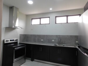 Comfortably Furnished Los Angeles Grecia 2 BR single story apartment