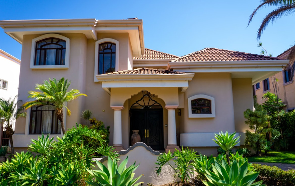 Amazing Parque Valle del Sol 4 BR executive home