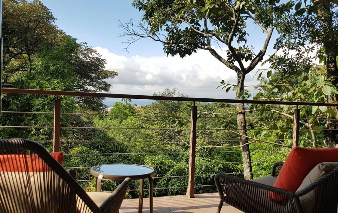 Amazing 2 BR Apartment with Large Balcony surrounded by Forest