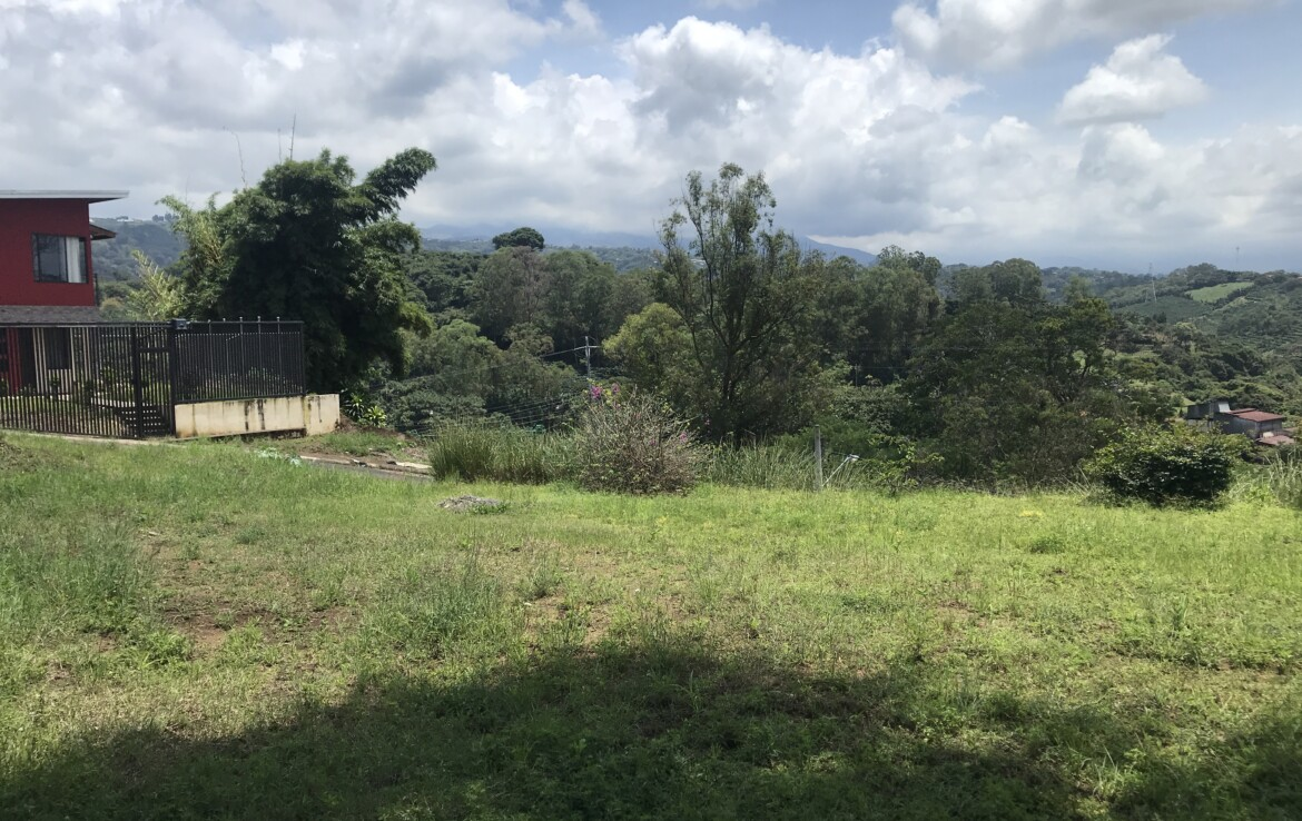 Affordable Naranjo building lot with pretty views
