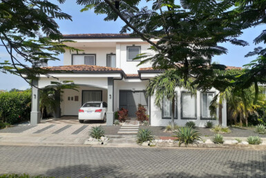 Modern 2 BR Liberia home in gated community
