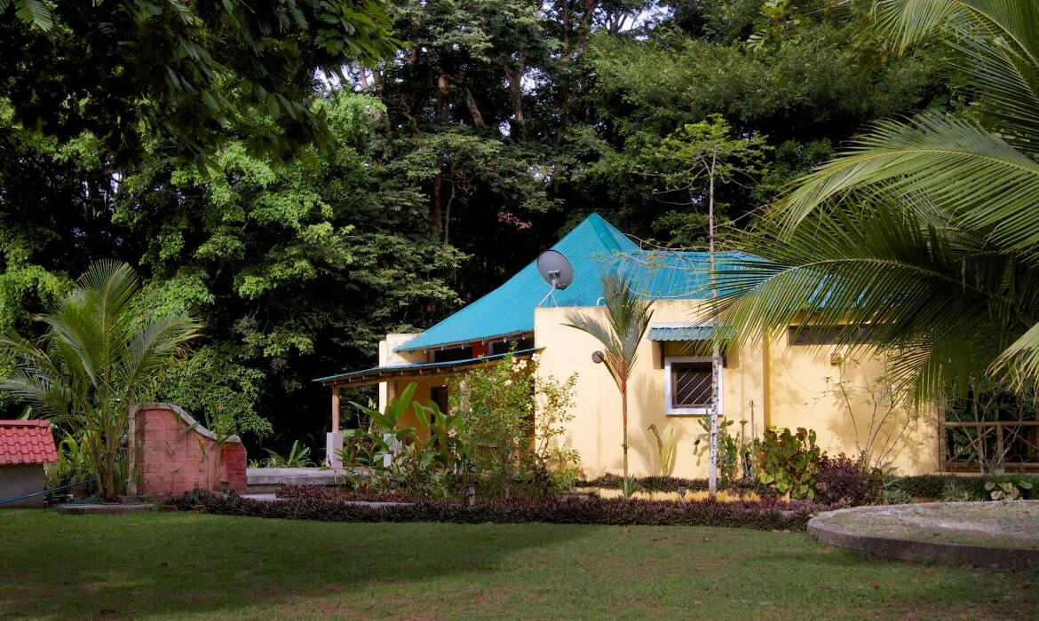 Manzanillo Caribbean Opportunity for Home or Bed and Breakfast