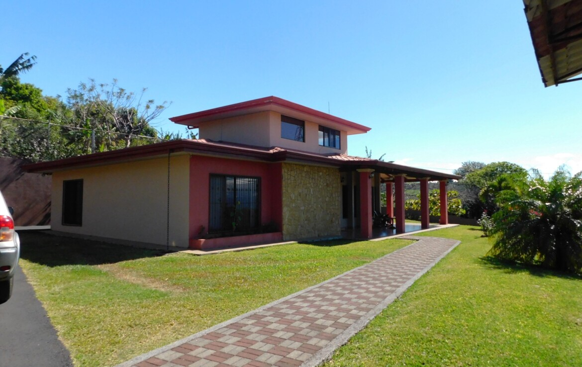 Carbonal Grecia Colonial Style 3 BR Home