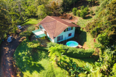 Peaceful 3 BR Dominical Home and Detached 2 BR Unit