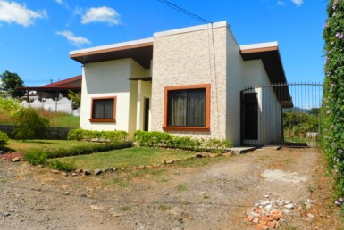 Affordable Modern Single Story 2 BR Grecia Home