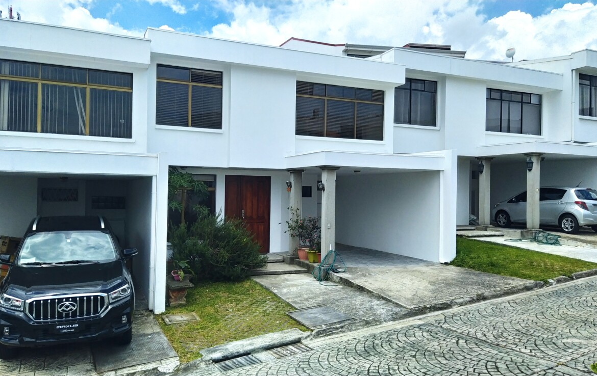 Very Affordable 3 BR Plaza Mayor Townhouse in Rohrmoser