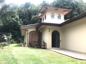 Great Furnished 3 BR Grecia Rental on over an Acre with Trails to Walk
