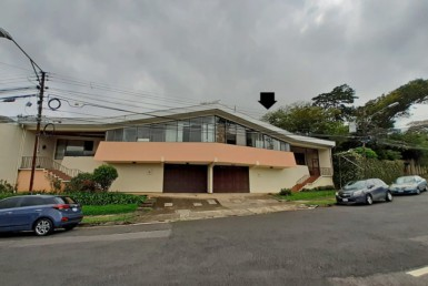 San Pedro 3 BR plus Office Duplex in Mixed-Use Zoning